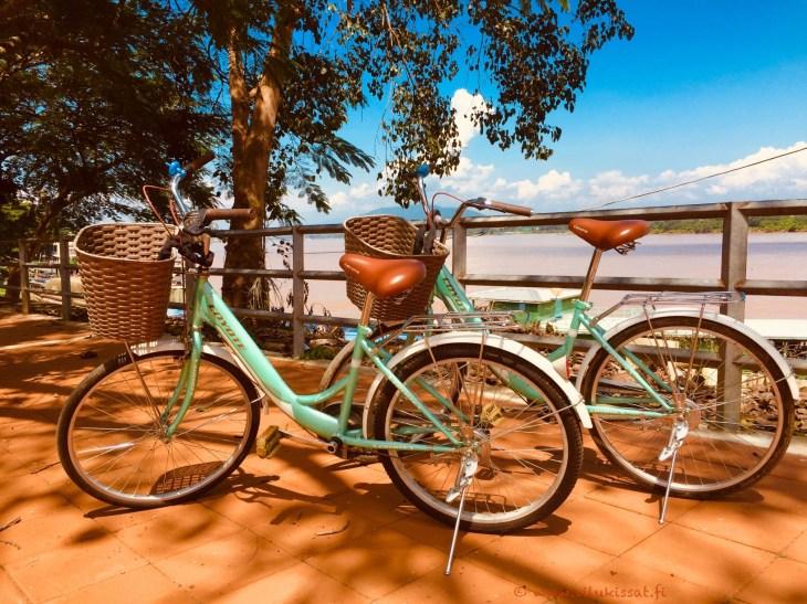 Pyöräilyä Chiang Saenissa