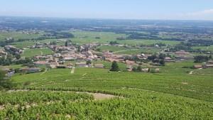 Le village de Fleurie depuis l'église de La Chapelle de la Madone