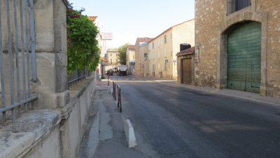 photo d'une rue du village de vinassan