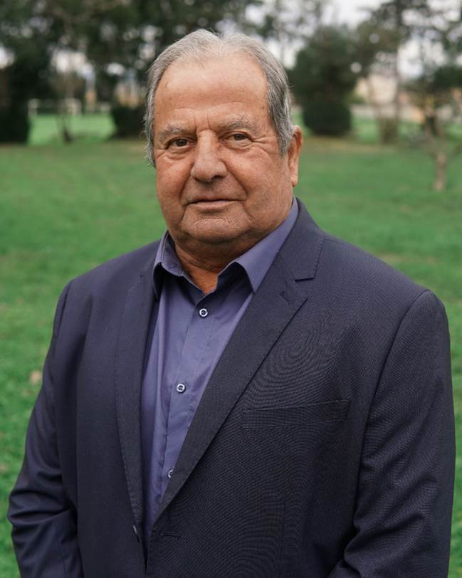 monsieur Fuertes 3ème adjoint Vinassan