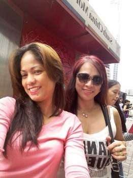Ate Marifel (working for 3 years) and Ate Maylin (working for 13 years) spending their Sunday together.