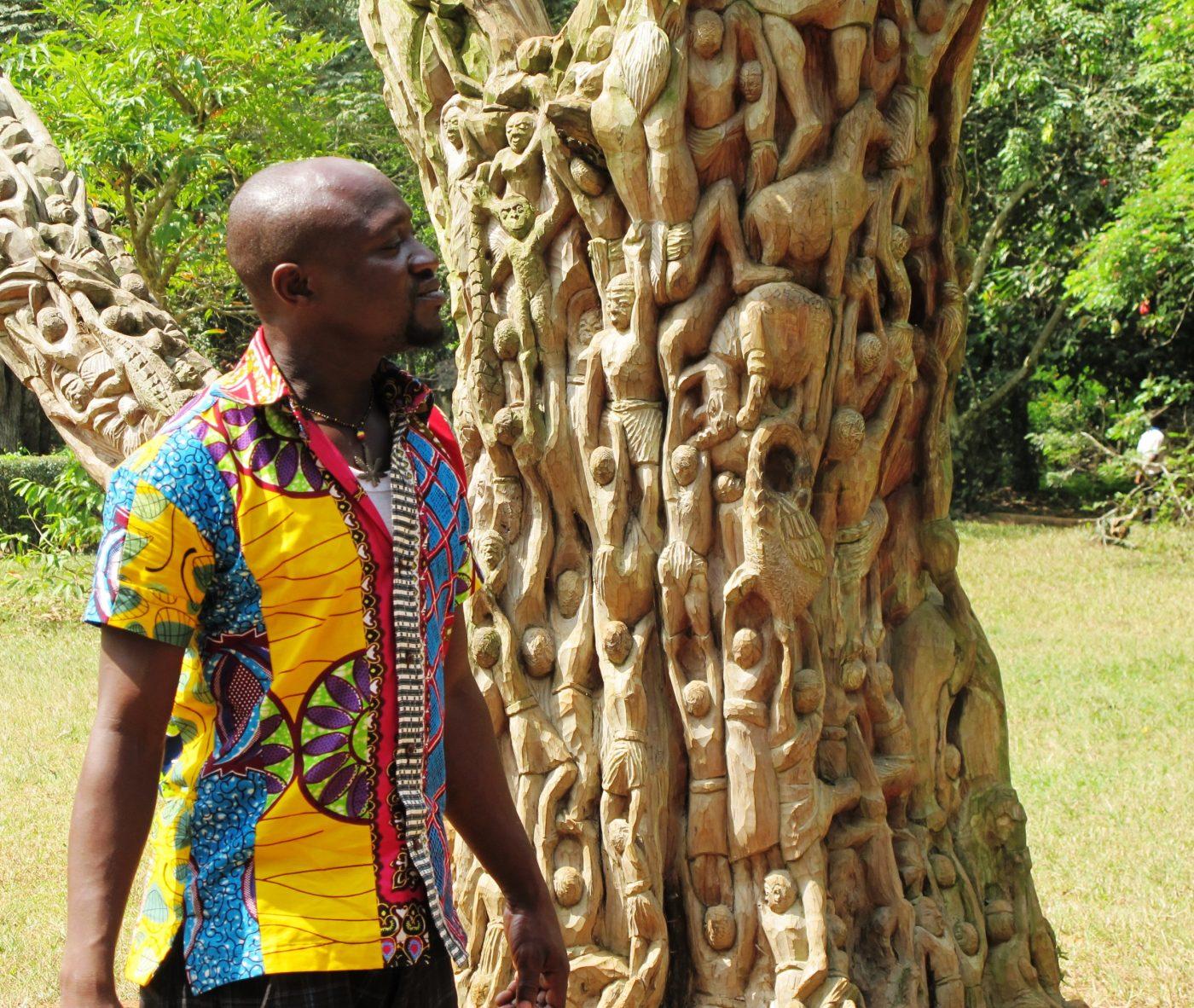 Graven tree in the Aburi Botanical Gardens