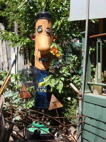 Patrick Amiot sculpture, Sebastopol, CA on July 7 2009 3