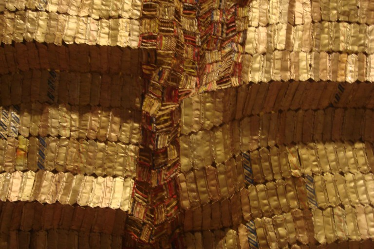 El Anatsui Between Heaven and Earth 2006 Metropolitan NY-4