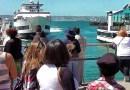 Видео: В Сан-Диего небольшой круизный лайнер врезался в пристань.