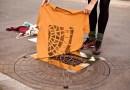 Художники из Берлина наносят принты на вещи с помощью канализационных люков.