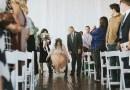 Парализованная девушка удивила всех, когда в день своей свадьбы встала с инвалидного кресла и пошла к алтарю.