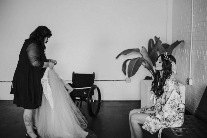 paralyzed-bride-walks-at-wedding-jaquie-goncher-vinegret (5)
