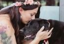 15-летняя собака прожила дольше с болезнью только ради того, чтобы увидеть свадьбу своей хозяйки.