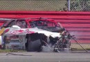 Видео: Как нельзя возвращаться в гонку после заноса.