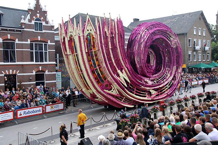 flower-sculpture-parade-corso-zundert-2016-netherlands-vinegret (2)