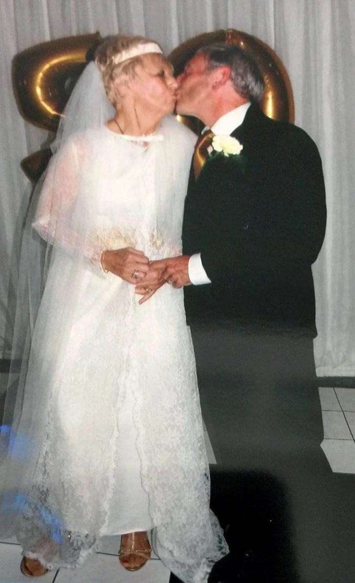 couple-wedding-clothes-50th-anniversary-carole-ann-jim-stanfield-vinegret-2