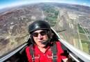 Видео: Камера со стабилизатором засняла трюки пилота самолета изнутри.