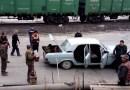 Видео: Сколько же человек может поместиться в автомобиле «Волга»?