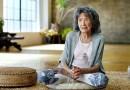 Знакомьтесь, 98-летняя инструктор по йоге Тао Порчон-Линч.