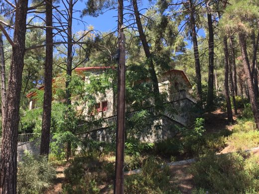 House In Platres (Pano)