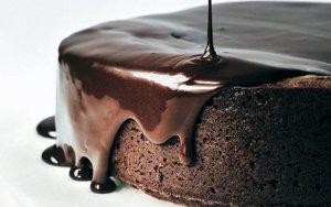 rodewijn-cake