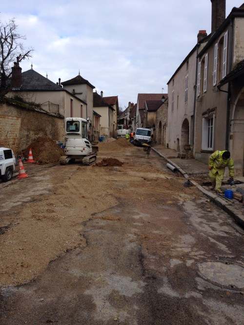 Street repair on rue de la Combe in Volnay.