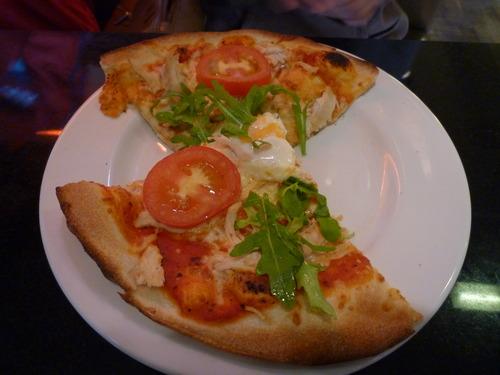 同学点的披萨,看起来比意面好吃