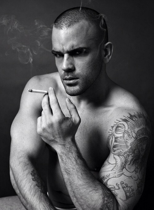 Damien Crosse smoke