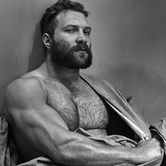 Jai Courtney hot daddy dude men