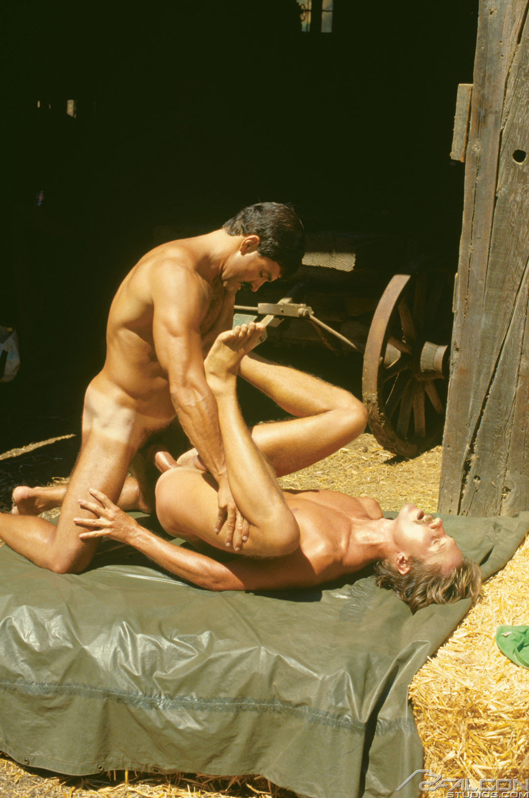 Rod Mitchell bareback fuck Judd Preston vintage gay hot daddy dude men porn Ramcharger