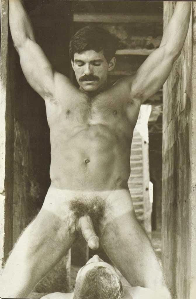 Rod Mitchell bareback fuck Joe Kelly vintage gay hot daddy dude men porn Honcho