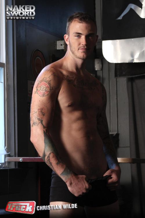 Christian Wilde fuck Jake Genesis gay hot daddy dude men porn truck