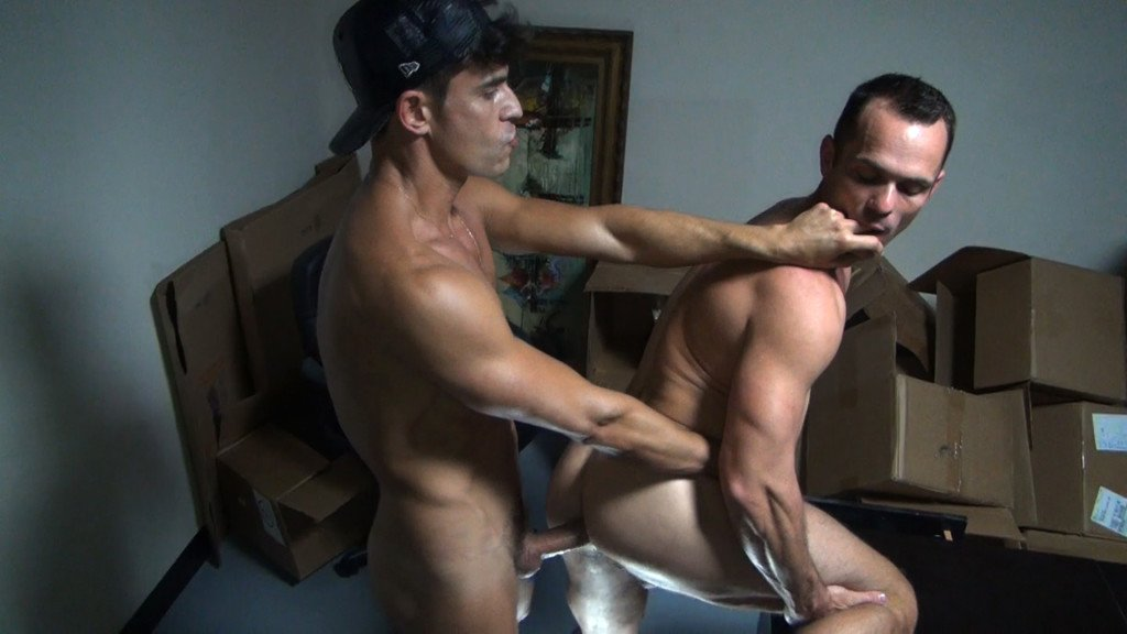Rafael Carreras fuck Owen Hawk gay hot dude daddy men porn Packin