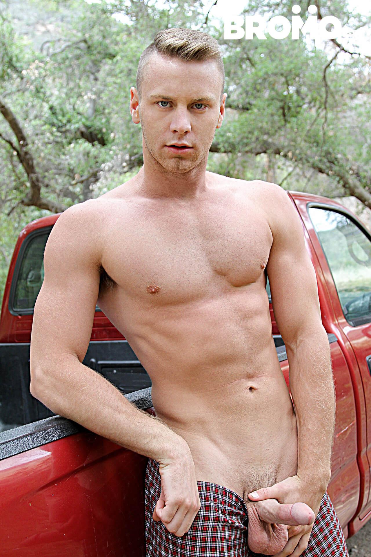 Tobias fuck Brandon Evans gay hot daddy dude men porn Rednecks