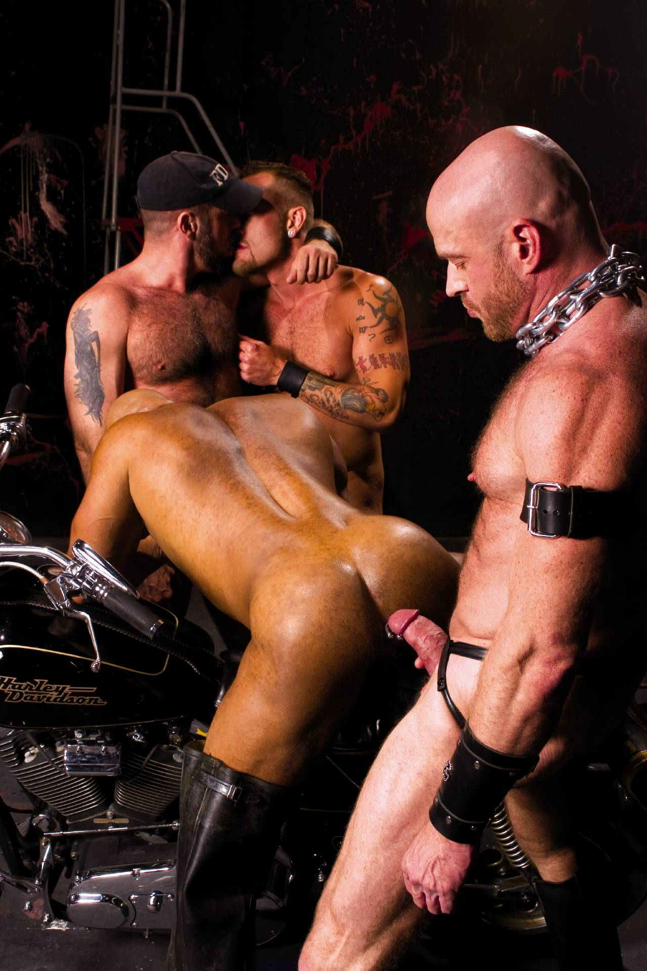 Ken Braun Erik Hunter Nick Piston Danny Mann gay hot daddy dude men porn Red Black