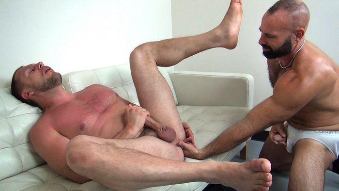 Collin O'Neal bareback Hans Berlin Raw Fuck Club