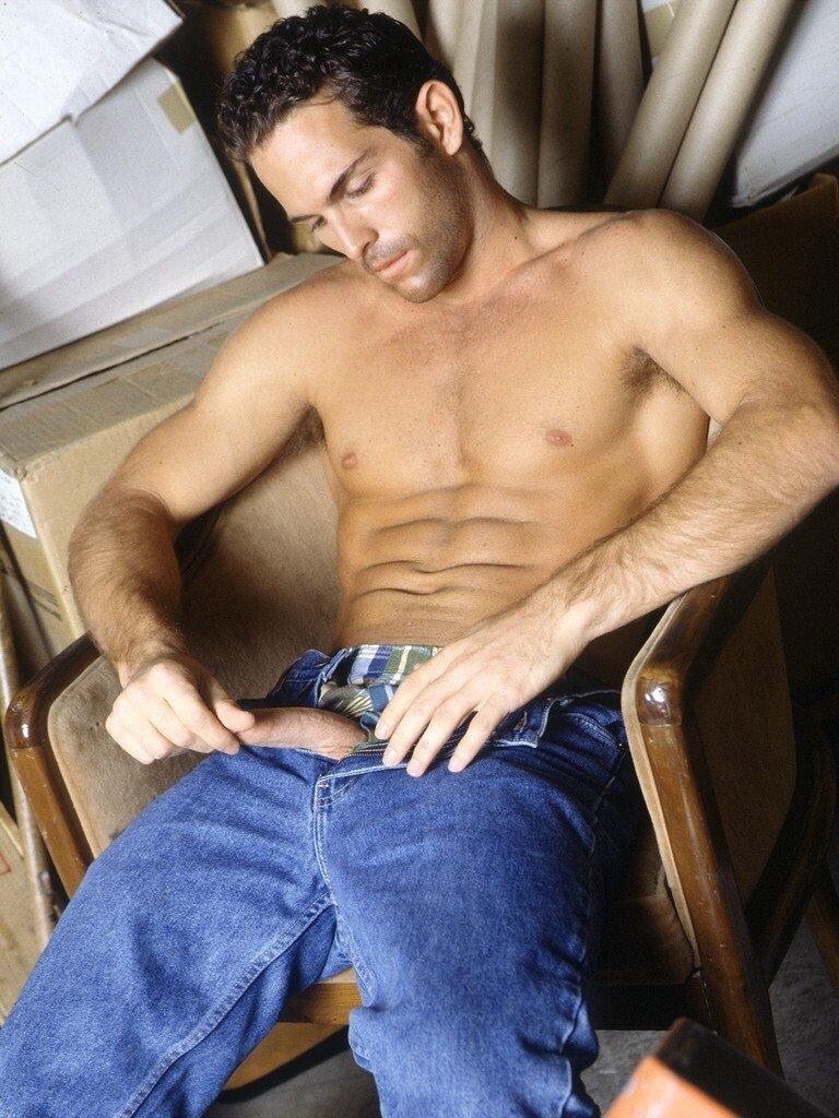 Alan Reeves gay hot dude porn
