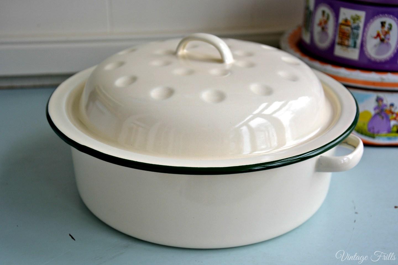 TK Maxx Vintage Enamel Cooking Pot