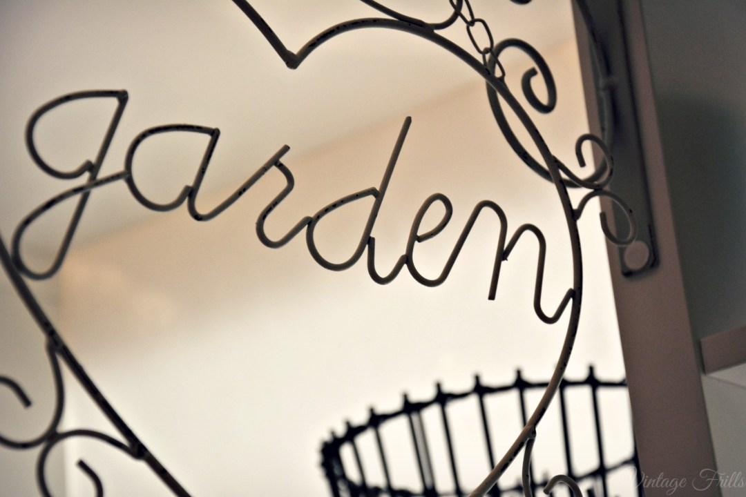 Next Summer 15 Press Day Wire Garden Sign
