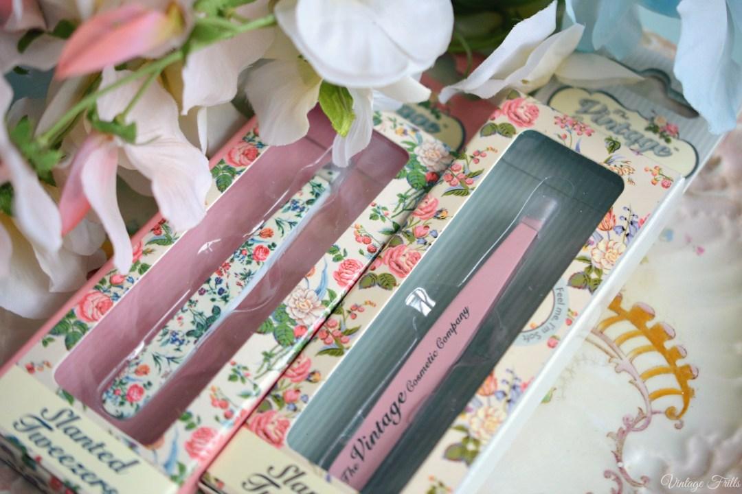 Vintage cosmetic Company Slanted Tweezers