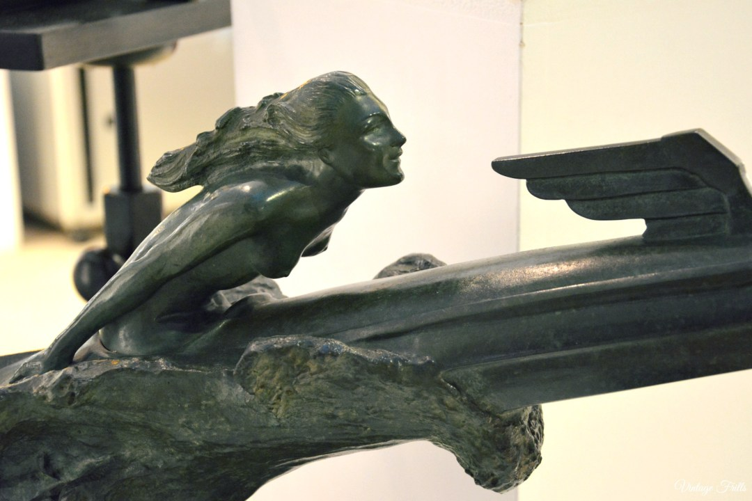 Olympia Art and Antiques Deco Bronze Sculpture
