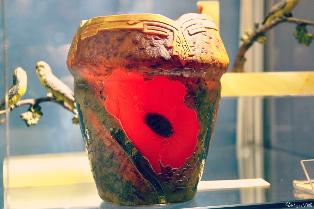 Olympia art and Antiques Art Deco Red Poppy Glass Pot