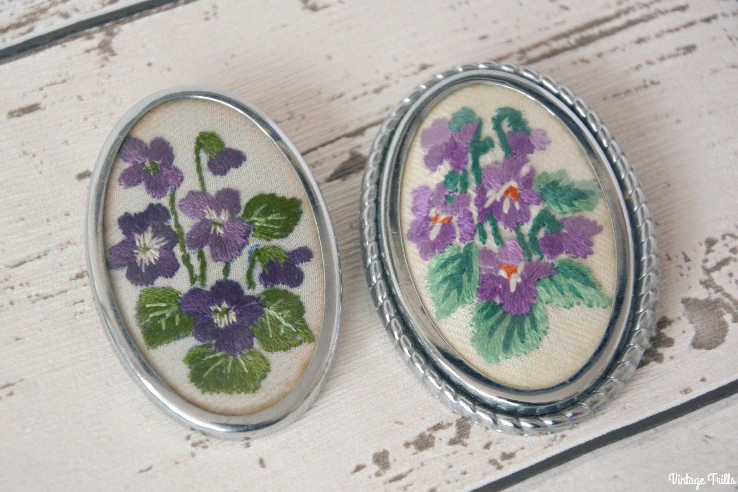 vintage-embroidered-brooches-purple-flowers