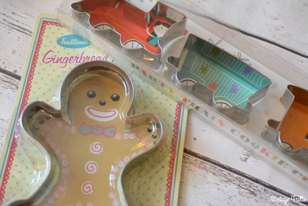 gingerbread-and-man-and-train-cookie-cutters