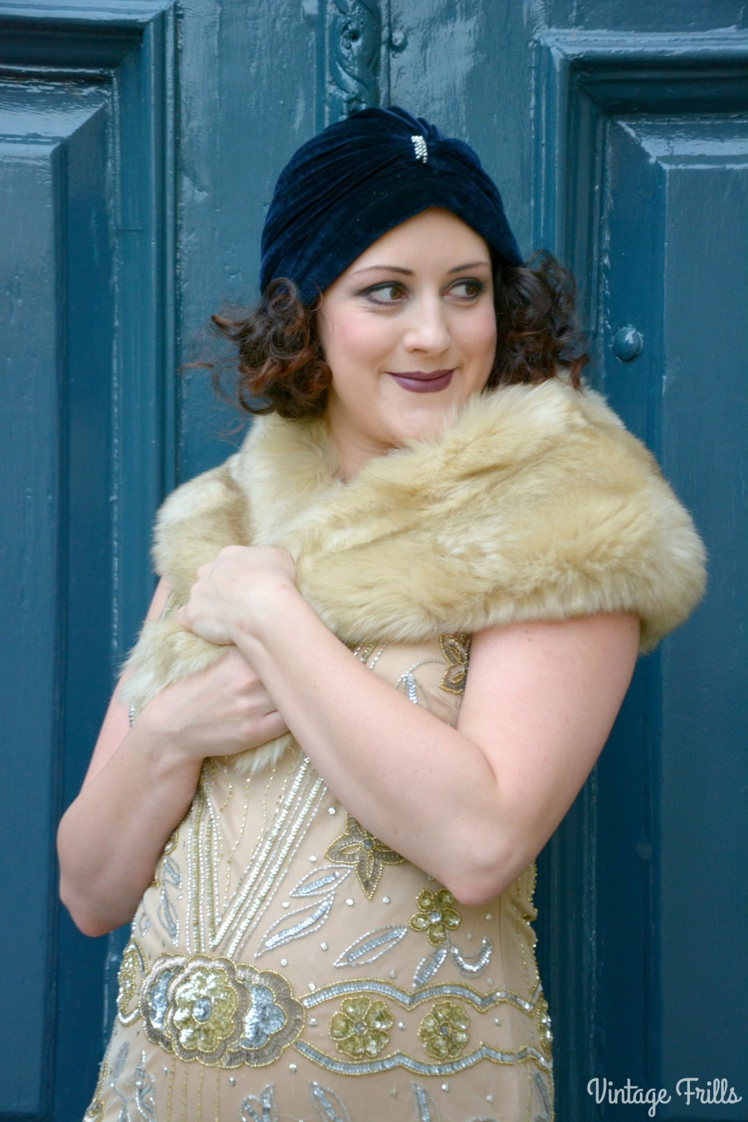 lindy-bop-everly-flapper-dress-and-faux-fur-stole