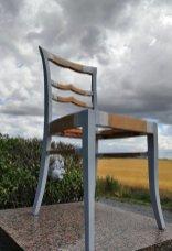 grundierter Stuhl in der Trocknungszeit