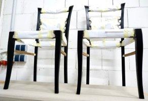 Stühle beim Trocknen