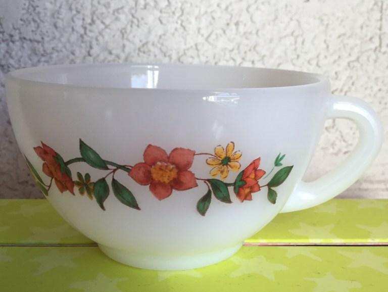 Tasse Arcopal vintage fleur