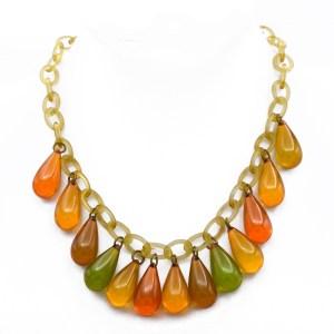 32472 - Bakelite Apple Juice Tear Drop necklace