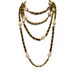 Chanel 77″ Gilt Curb Chain with Leather & 17 French Wrapped Pearls, Autumn 1993