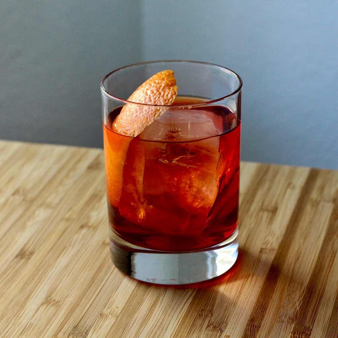 Boulevardier Cocktail - Classic 1930s Erskine Gwynne Recipe