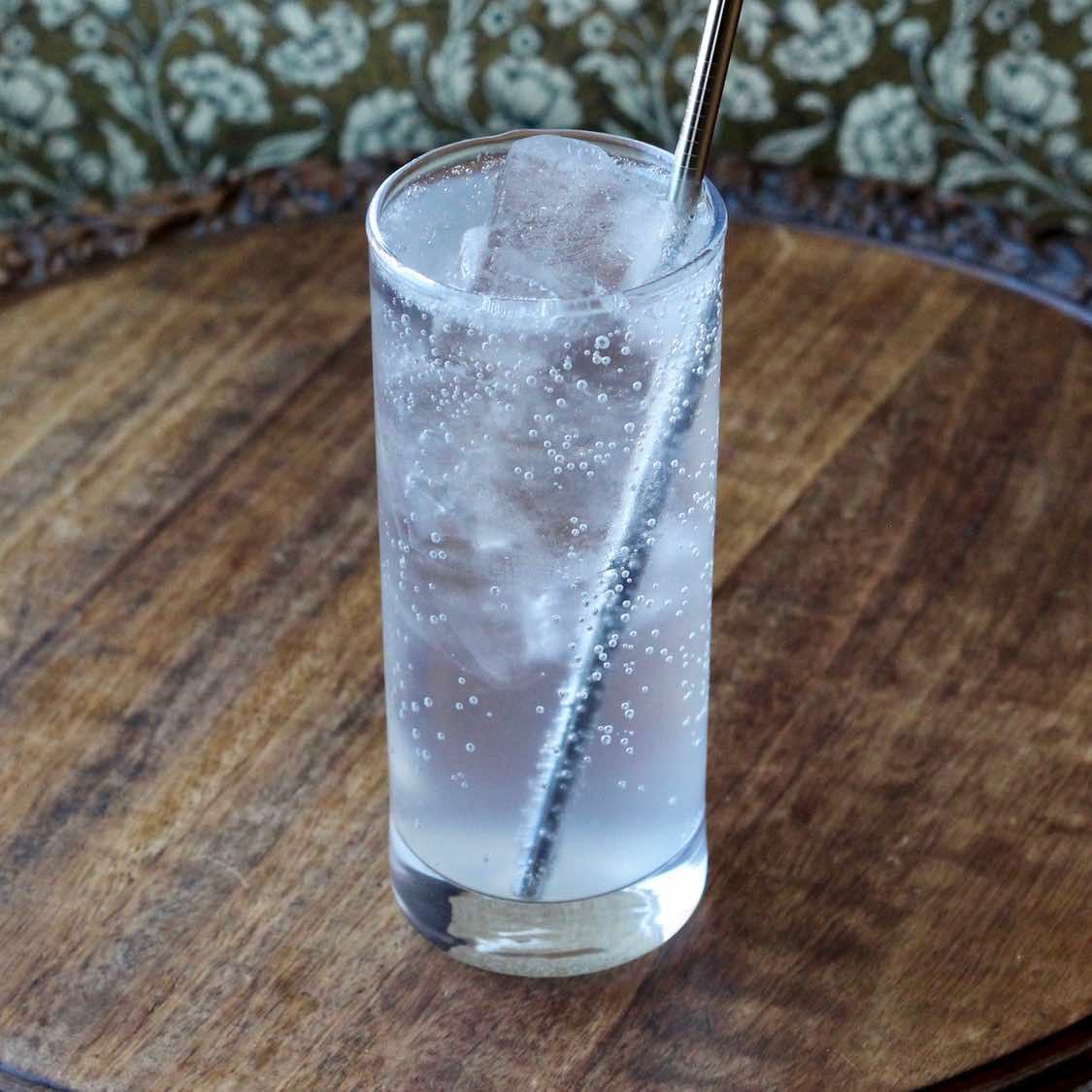 Gin And Tonic - Classic late 1800s Style British cocktail
