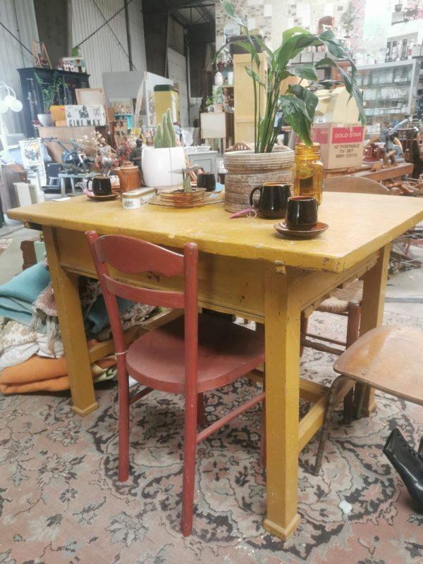 houten tafel | Vintage Brabant