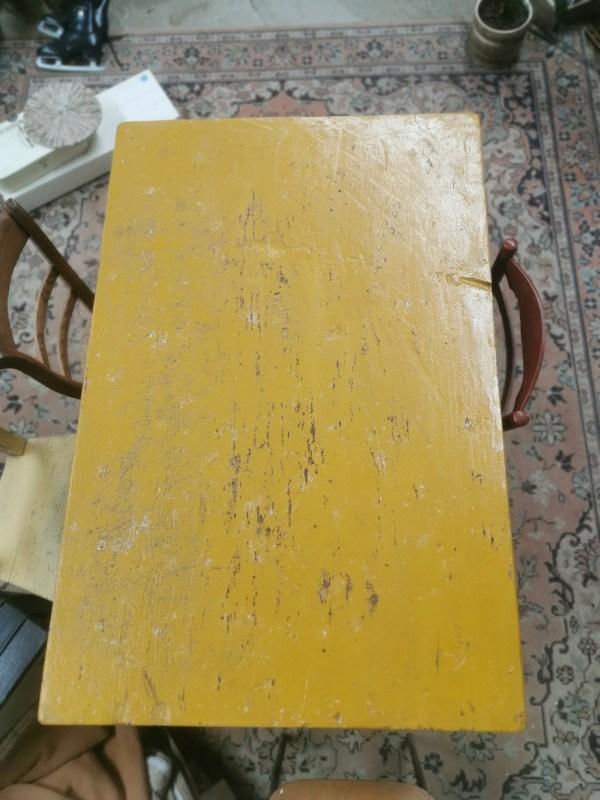 Oker tafel | Vintage Brabant